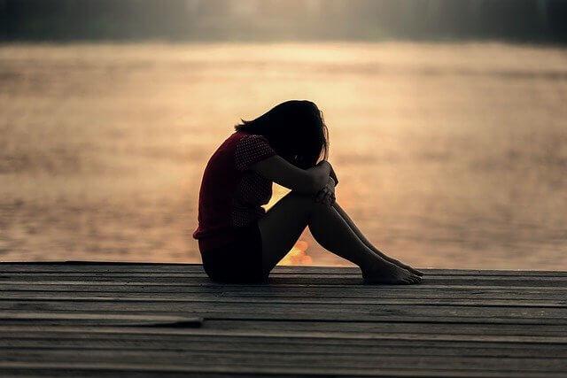 Hablar con su hijo adolescente sobre la depresión siguiendo las '13 razones'
