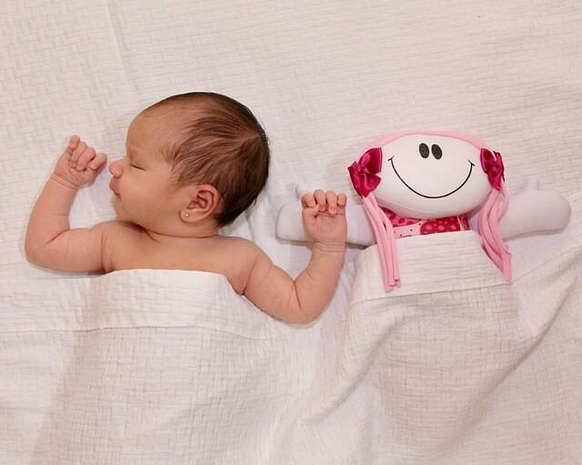 Horas de sueño del bebé: la guía definitiva para las siestas, las noches y el sueño