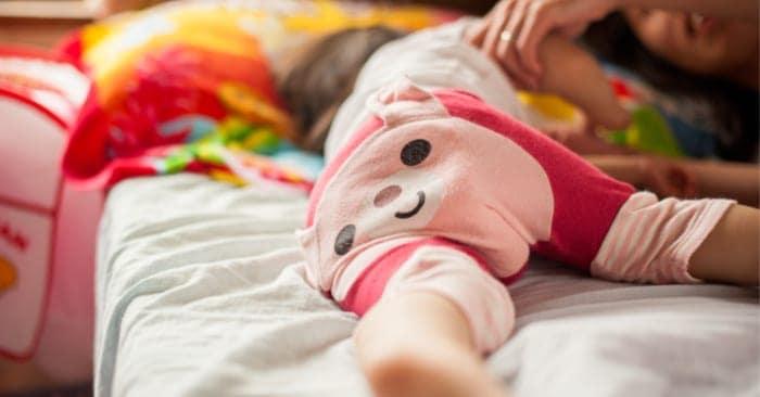 Ideas para dormir para bebés y niños pequeños cuando no quiere compartirlas