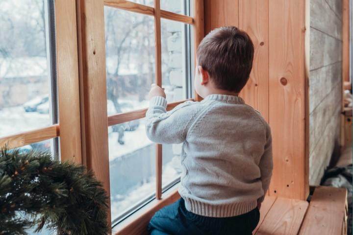 el niño está en estilos de crianza no involucrados para la ventana, no es lo mismo que el estilo de crianza autoritario