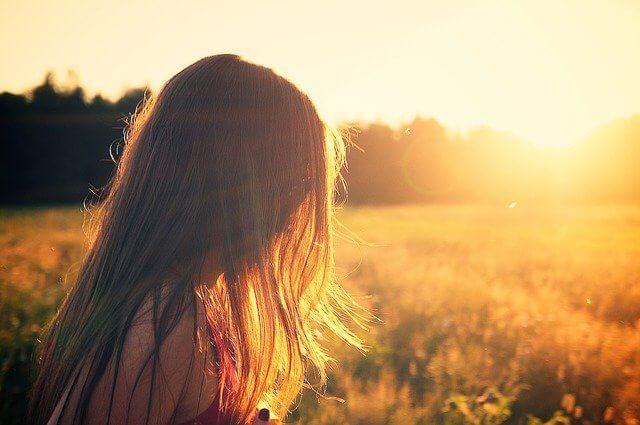Proteja a sus hijos del sol del verano con estos sencillos consejos