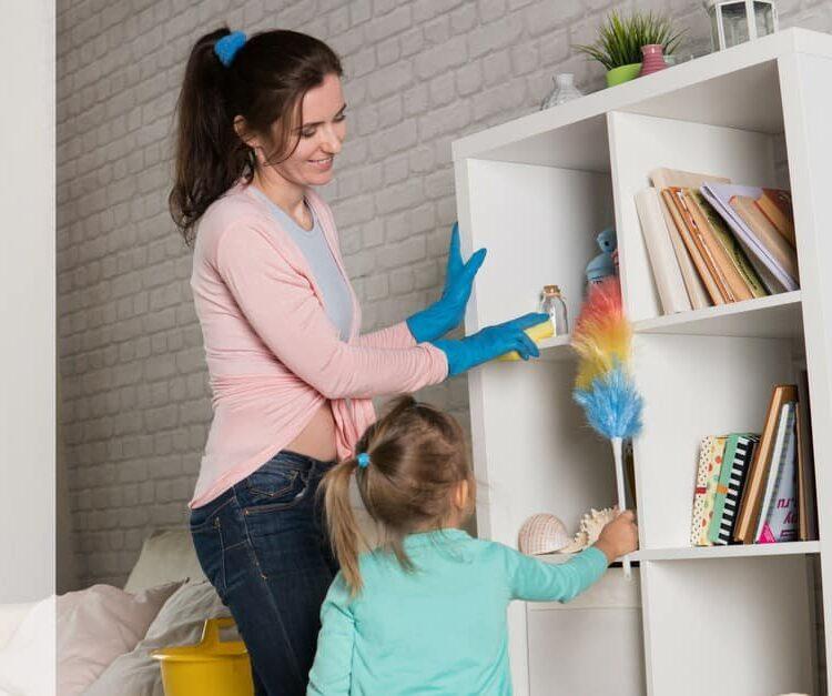 Cómo y por qué enseñar a sus hijos a ayudar con homework_mini