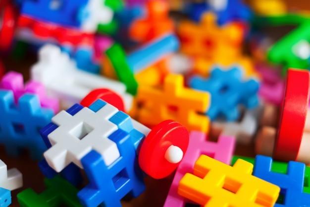¿Se han apoderado de demasiados juguetes? Consejos sobre cómo lanzar, encoger y organizar.