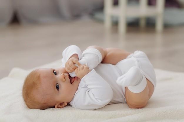 Cómo conseguir que su recién nacido duerma bien desde el primer día